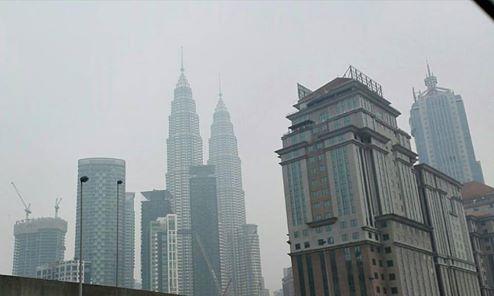 Menara Kembar di Kuala Lumpur, Malaysia. Foto: Dokumentasi Bilik Kreatif.